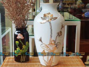 Bình hoa Bát Tràng dáng bầu vẽ sen vàng
