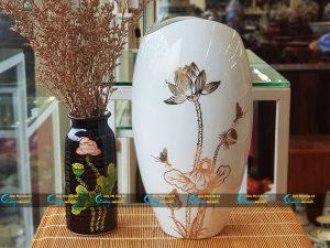 Bình hoa Bát Tràng miệng vát vẽ sen vàng