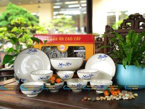 Bộ bàn ăn 10 sản phẩm sen xanh men trắng
