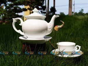 Bộ trà trắng Bát Tràng dáng đài các