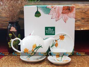 Bộ trà trắng nắp lửa vẽ hoa quỳnh