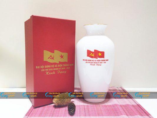 Sứ Việt- Địa chỉ cung cấp bình hoa quà tặng đại hội in logo đẹp, giá rẻ